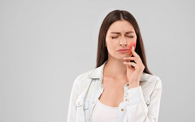a women having severe toothache | Toothache treatment in Mount Waverley